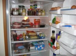 Reinigung der Haushaltsgeräte: Abtauen von Kühl- und Gefrierschränken - Tipps & Anleitung