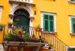 Fassaden und Außenwände renovieren und streichen