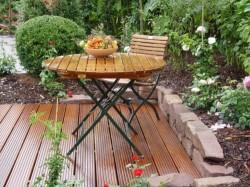 Reinigung und Pflege der Gartenmöbel - Ratgeber & Tipps - Holzmöbel, Metallmöbel, Kunststoffmöbel