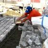 Gepflasterte Terrasse selbst bauen - Terrassenbau - Ratgeber, Tipps & Anleitung