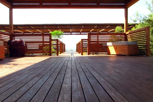Top Ein schützender Anstrich für Deine Holzterrasse &UP_06